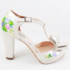 Pantofi pictati, cu trandafiri - piele naturala